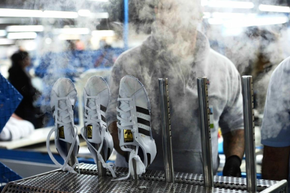 4bb24a71 Cierre de fábrica de Adidas en Chivilcoy pone en riesgo 650 empleos ...